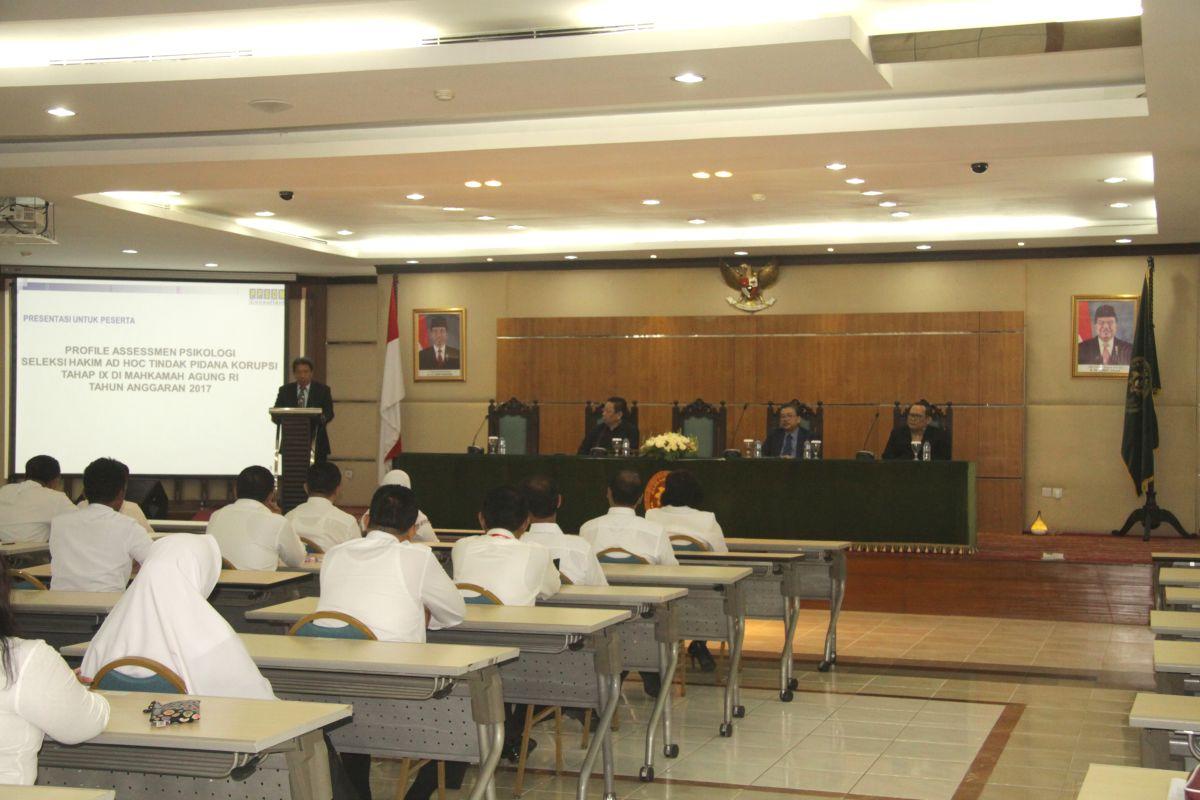 78 Calon Hakim  Ad Hoc  Tipikor Jalani Tes  Assessment  dan Wawancara