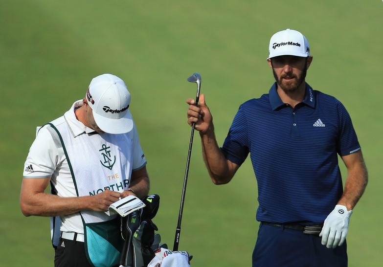 Isi Tas Golf Dustin Johnson