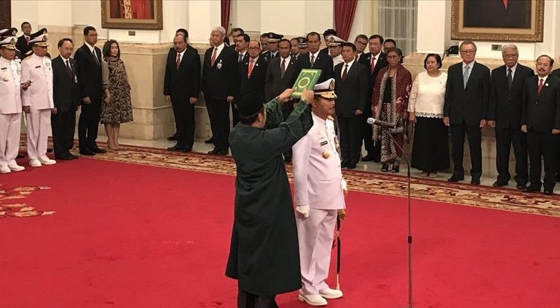 Jokowi Lantik KSAL yang Baru Laksamana Siwi Sukma Adji