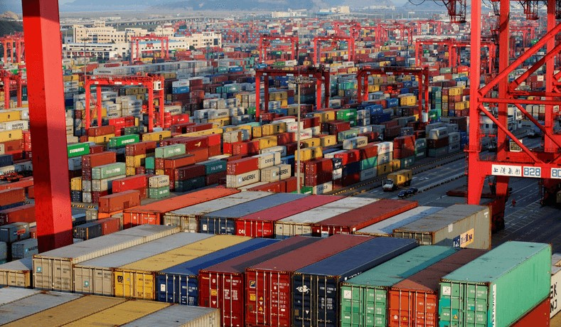 Defisit Perdagangan AS Membesar Meski Ada Tarif Trump