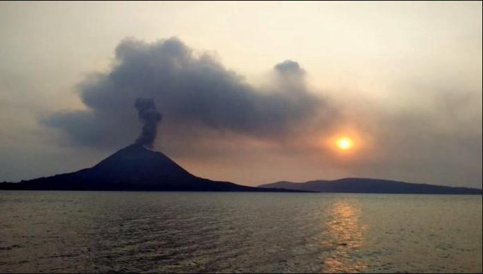 Gunung Anak Krakatau Terus Timbulkan Tremor