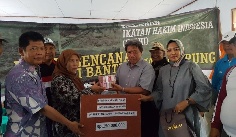 MA Beri Bantuan Korban Tsunami Selat Sunda