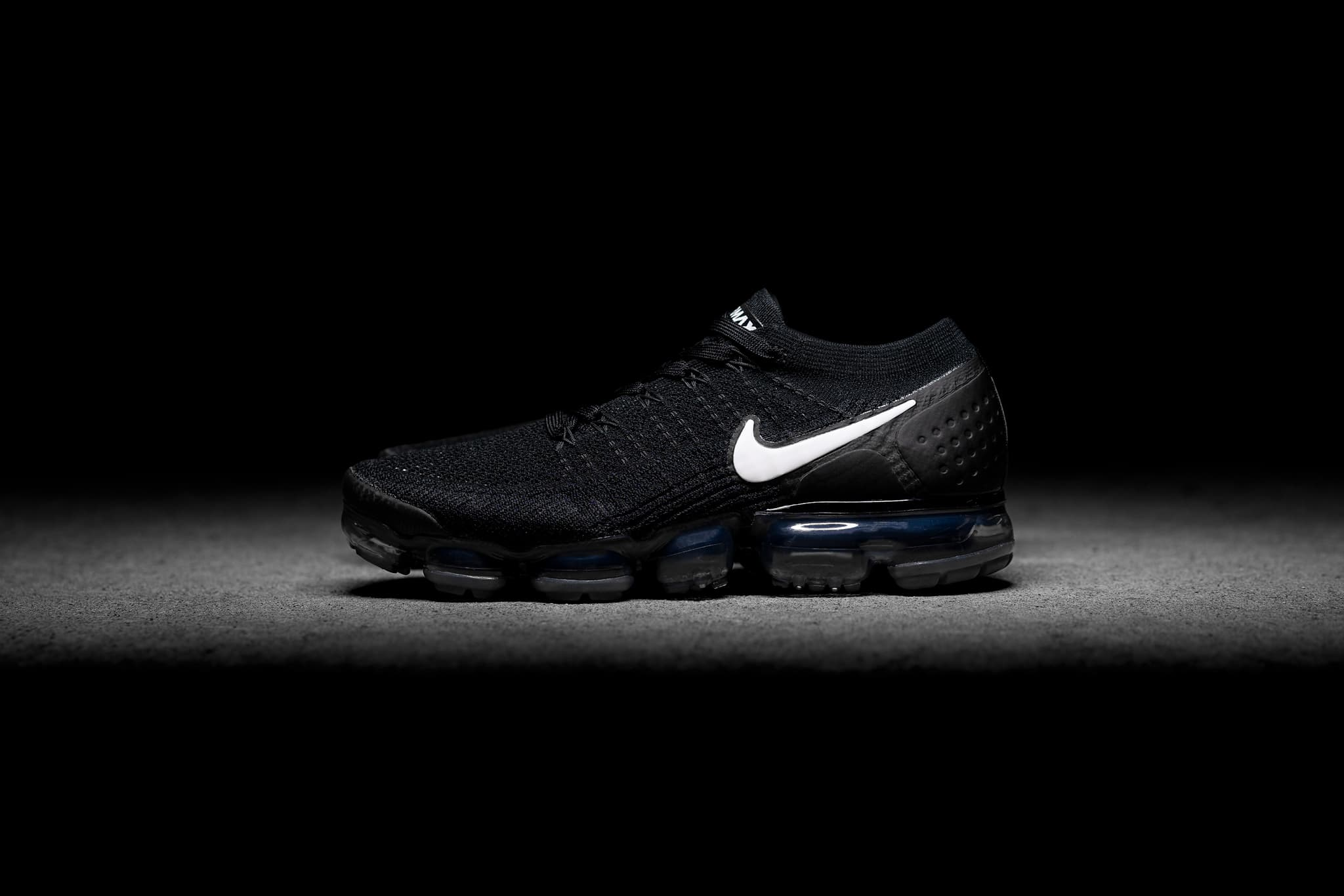 b4a255621f Nike-Air-Vapormax-Flyknit-2-BLACK-News-Web-1_enq8ww.jpg