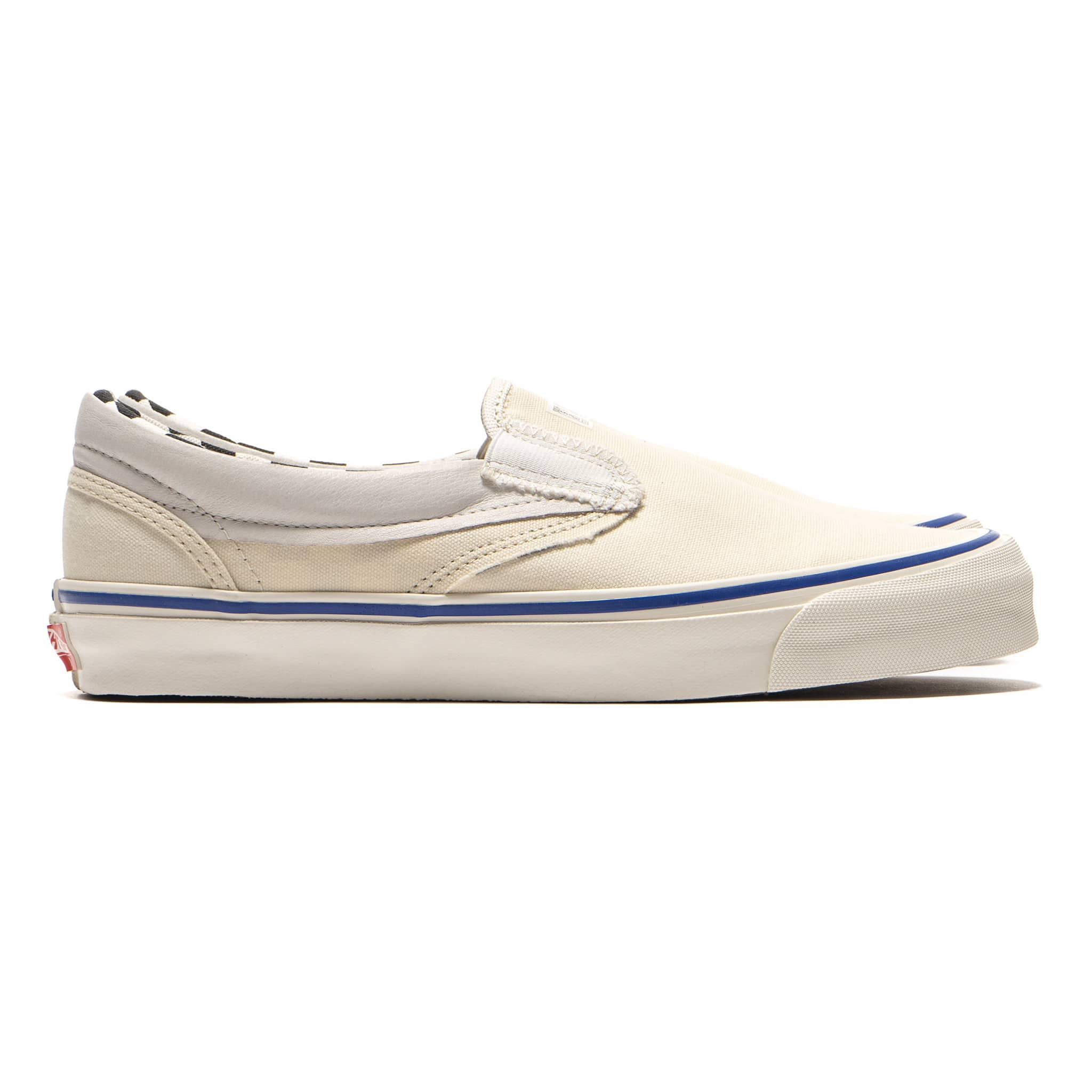 bf00721944 ... panelled SK8-Hi and Slip-On silhouettes