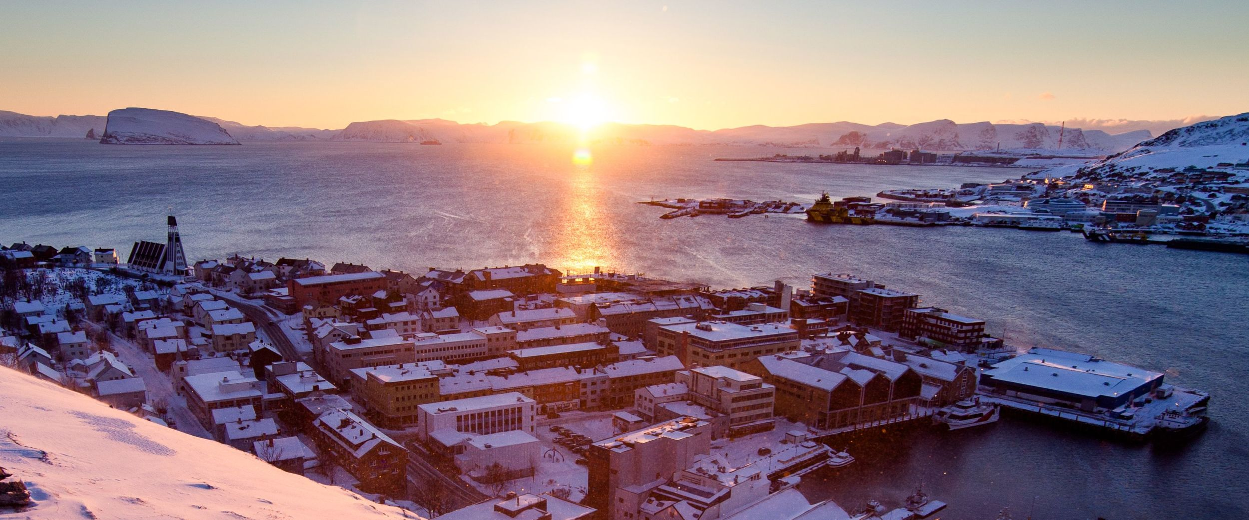 Viewpoint Salen. Sunset in Hammerfest on a beautiful winter day.
