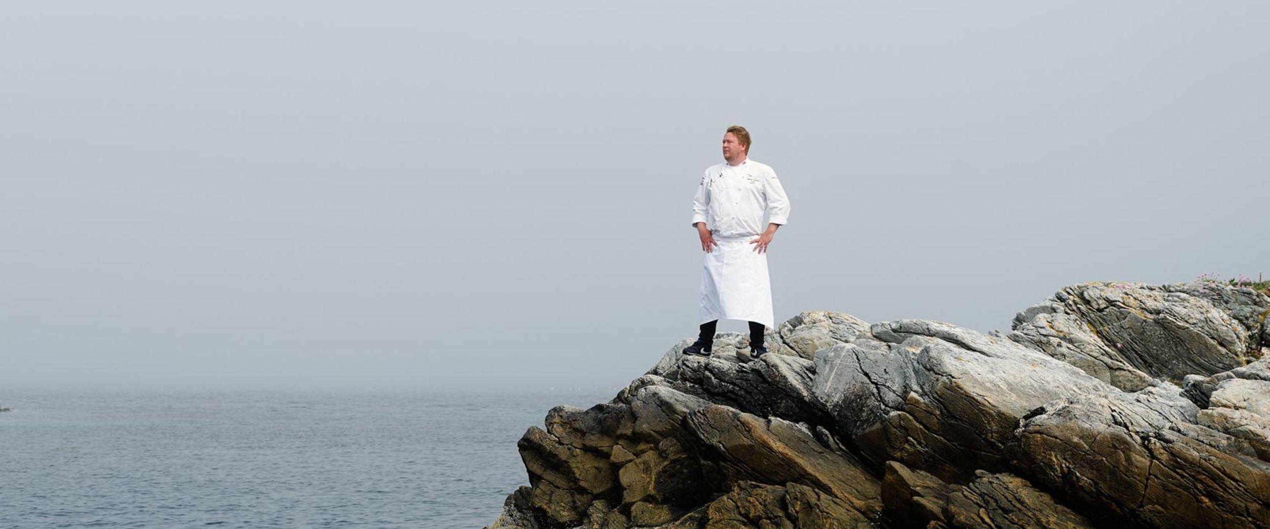 Gunnar Hvarnes by the ocean
