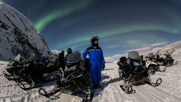 Snowmobiling. Photo: Nicolas Vera-Ortiz