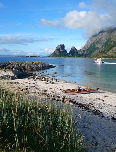 Kayak in Nesna. Photo: Marit Loevhaug, Helgeland kajakk, Helgeland reiseliv