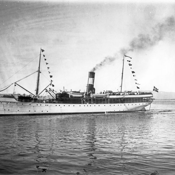 The steamer Richard With, built in 1909, named after the founder of the coastal route. Photo from Hurtigrutemuseet Museum Nord