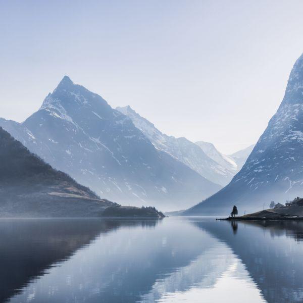 Slogen in Hjørundfjorden. The norwegian Queens favourite mountain. Photo: Håvard Myklebust, fjellfotografen.net, fjordnorway.no