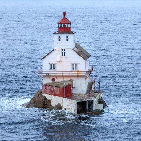 The lighthouse Stabben fyr on a rock.