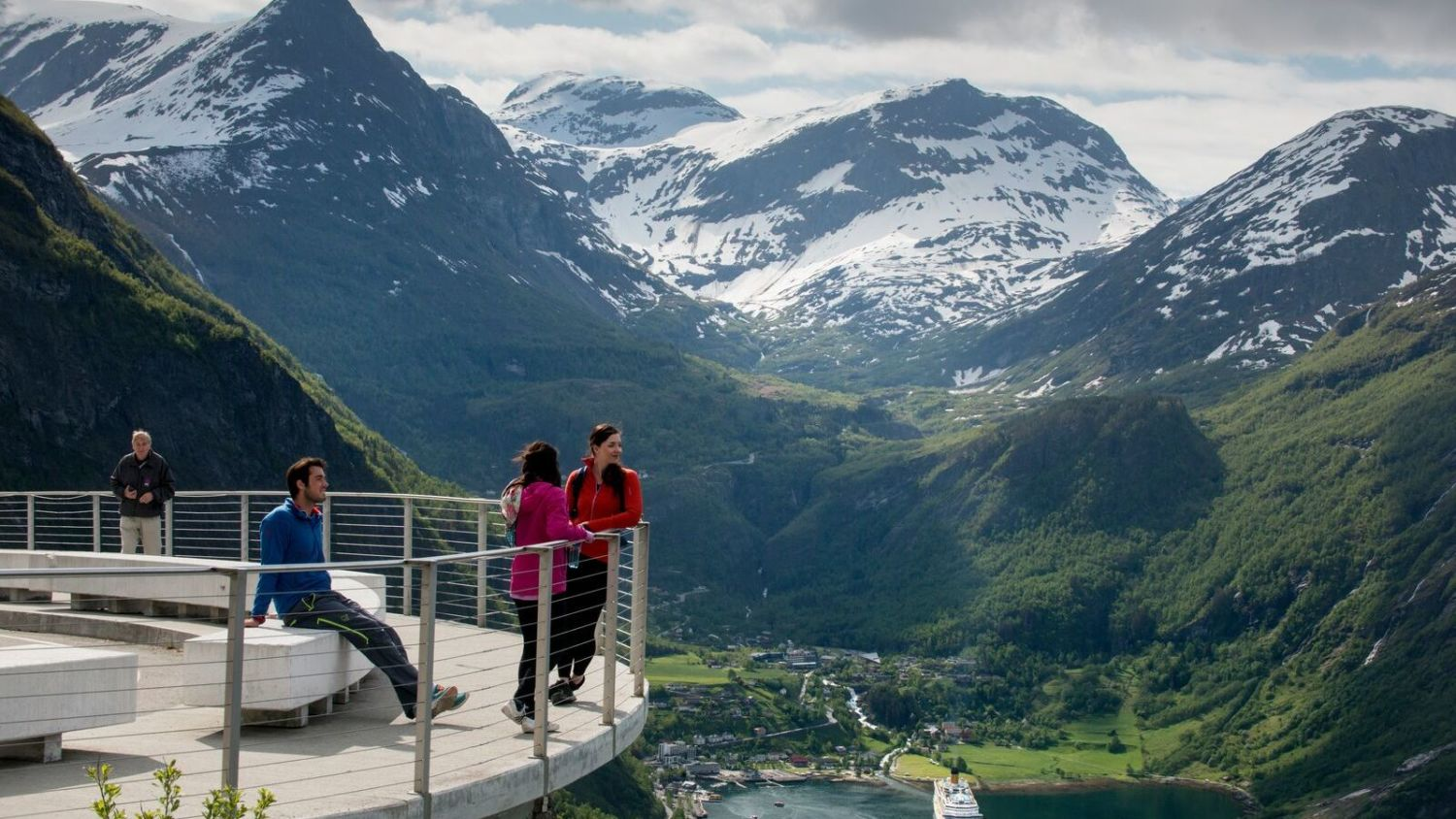 View from the eagle road in Geiranger. Photo: Visitnorway.com