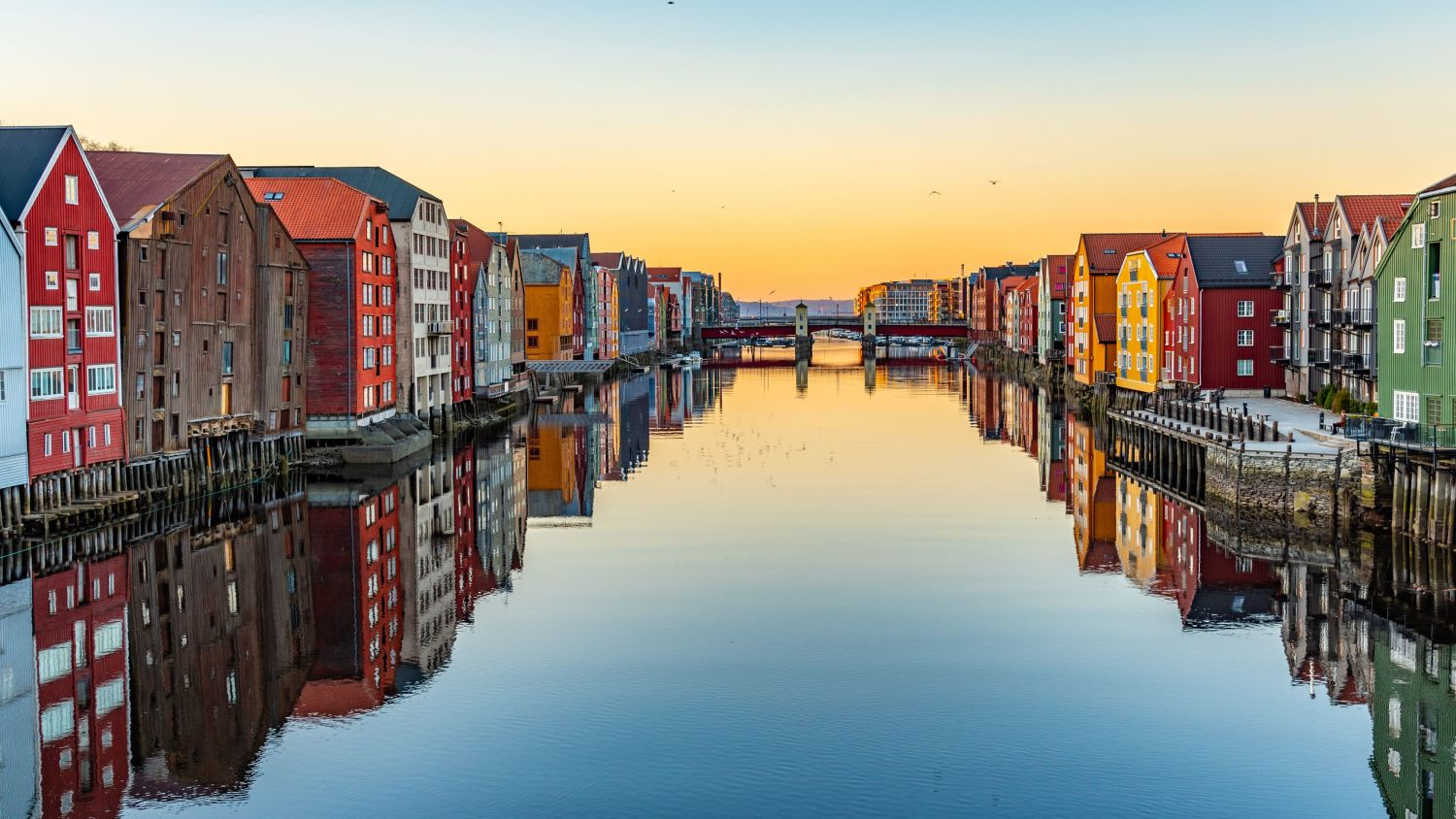 River in Trondheim with colorful houses