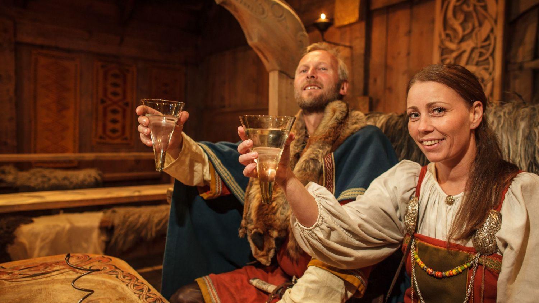 Husfrua og vikinghøvdingen