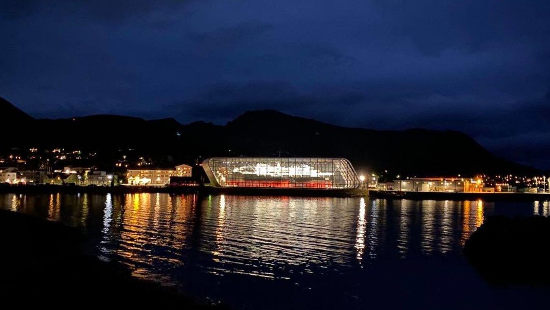 The fantastic Hurtigrutemuseet in Stokmarknes at night.  Photo: Havila Kystruten/Tonje Ytrebø