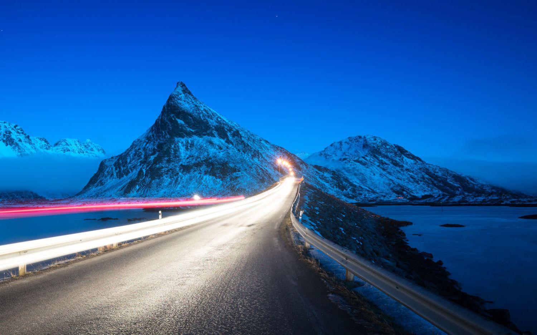 Car lights in Lofoten