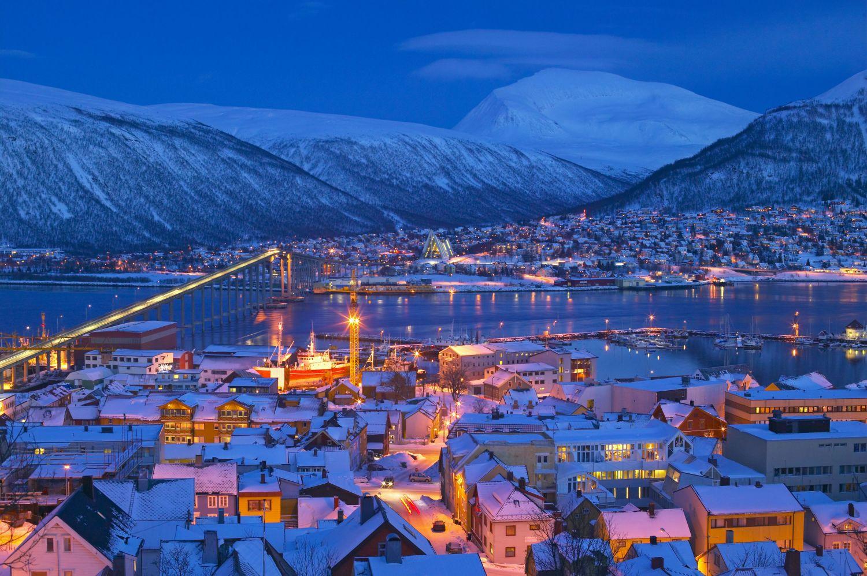 Blue hour in Tromsø. Photo: Baard Løken, nordnorge.com