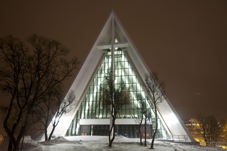 Ishavskatedralen, eksteriør, vinter, natt