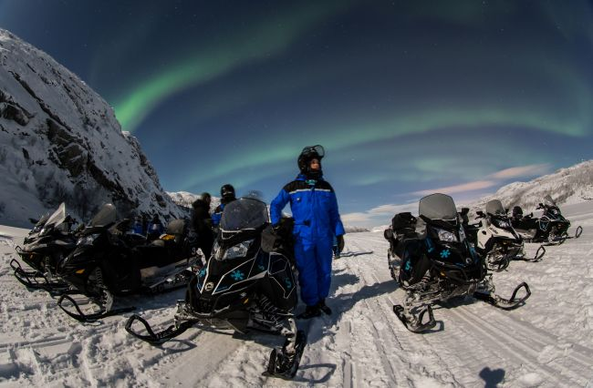 Snowmobiling. Photo: Nicolas Vera-Ortiz