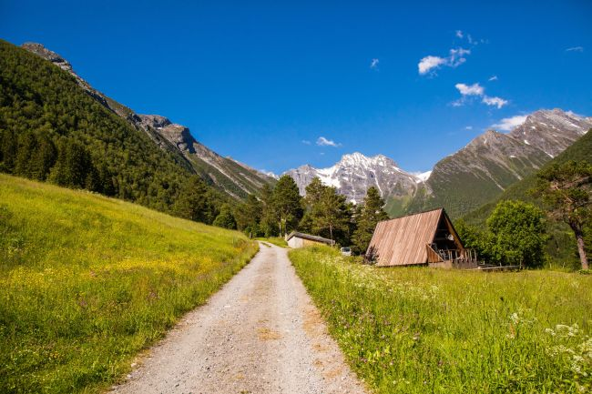 An old and tiny road up in the mountains next to Hjørundfjorden. Photo: Adobestock