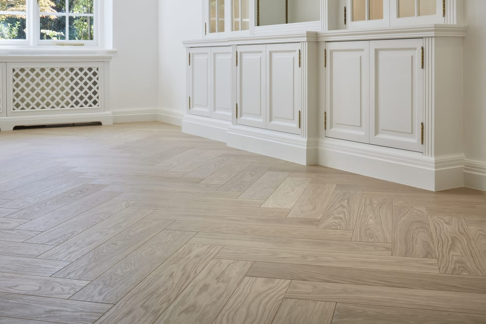 Floor Article