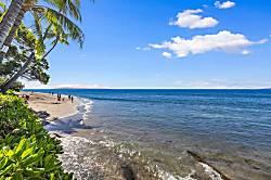 Lahaina Oceanfront Villa