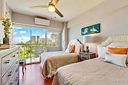 Waikiki Shore 600
