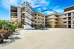 Kona Plaza 409