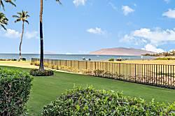 Royal Mauian 104