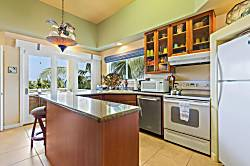 Kahaluu Beach Villas 303