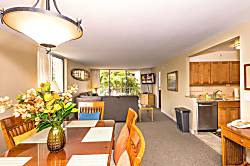Royal Kahana 220 (2bd / 2ba)