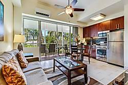 Waikiki Shore 210