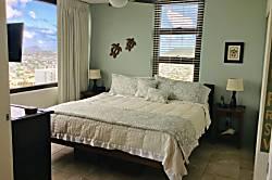 Waikiki Banyan Condo 3113-T2