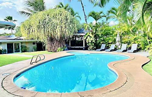 Luxurious Hawaiian Villa Oasis