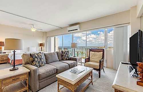 Waikiki Shore 1112