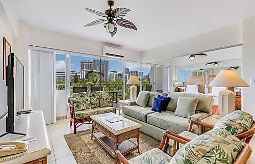 Waikiki Shore 506