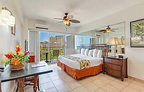 Waikiki Shore 1214