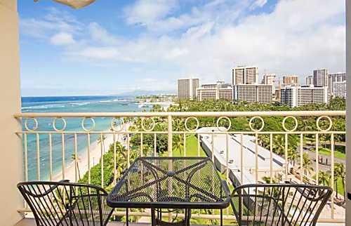Waikiki Shore 1205