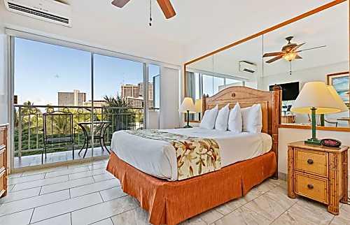 Waikiki Shore 504