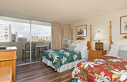 Diamond Head Beach Hotel 1005