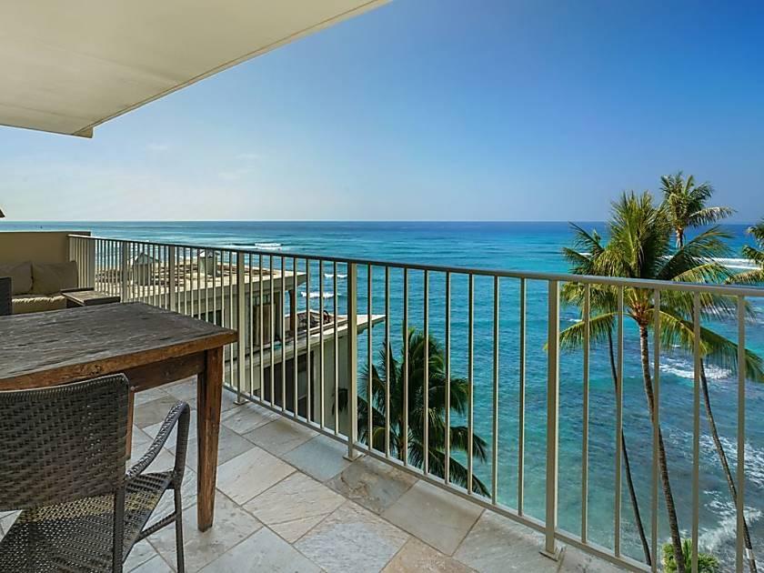 Diamond Head Beach Hotel 801
