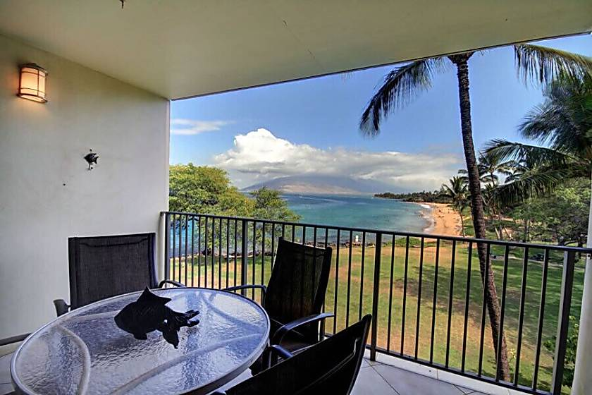 Royal Mauian 403