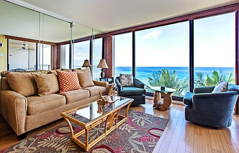 Mahana Beach Resort