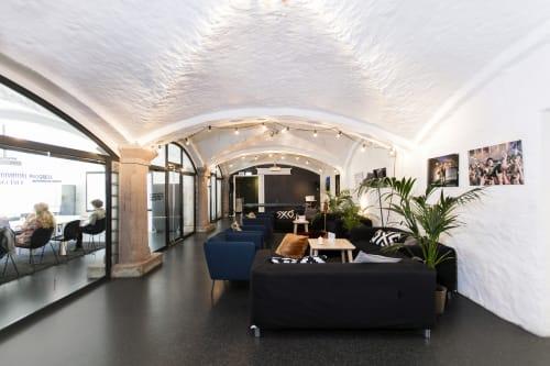 Drivhuset - Hallen egner seg godt til bedriftsarrangementer, lanseringer, utstillinger, seminarer og mye mer. I kombinasjon med de parallelle rommene har man god plass til å servere mat og sette opp en lounge.