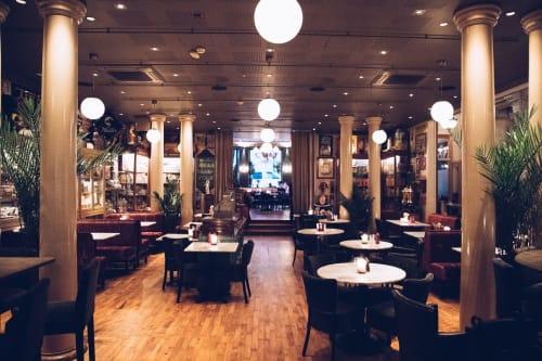 Restaurant, Takterasse og Chambre Séparée