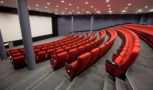 Konferanse og møtelokaler - Felix 1 * 209 plasser * Stort lerret og god lyd * Kan leies til filmleie * Maks kapasitet til 250 personer