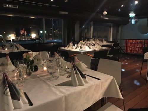 Arrangementslokale - Dekket til middag Helt Øverst