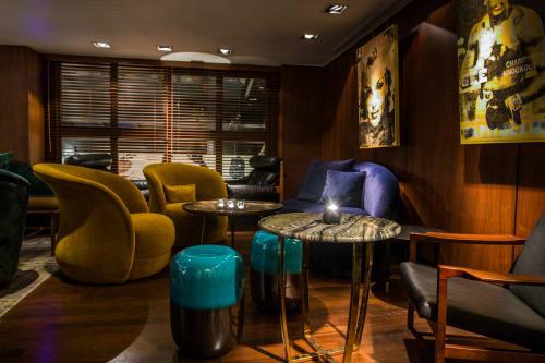 S'Zen Lounge/Upstairs on Rivington