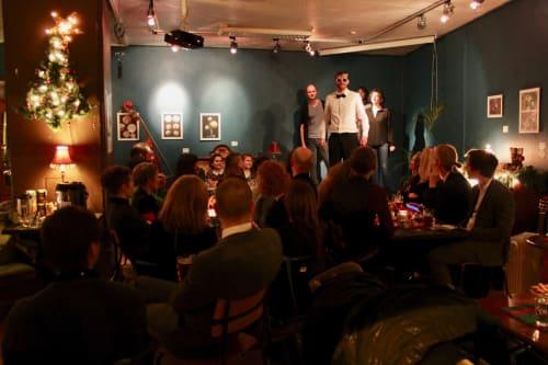 Caféen - Julebord inkludert show med den internasjonale improgjengen vår: Gibberish!