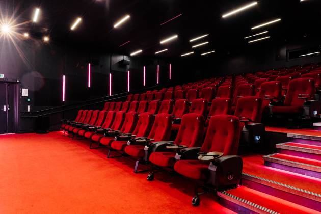 Vika Kino - Salutleie